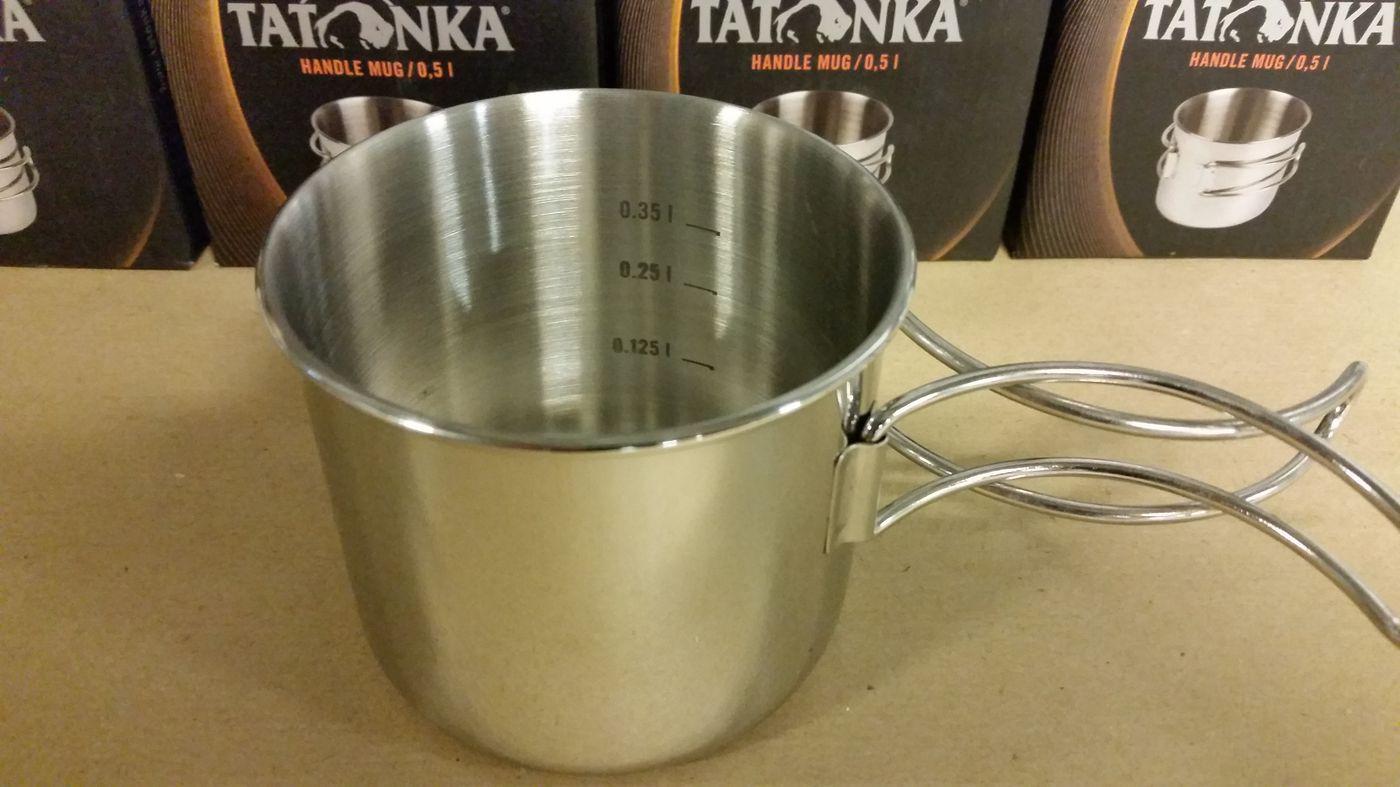 La tasse Handle Mug en acier avec indicateur de niveau