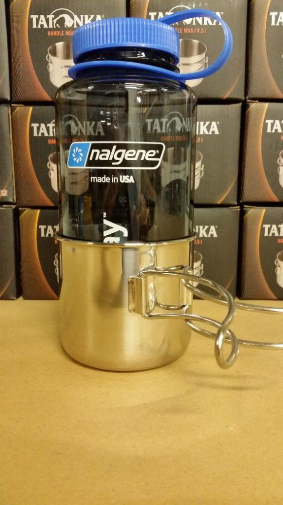 Tasse Handle Mug avec une bouteille Nalgene de 1 litre