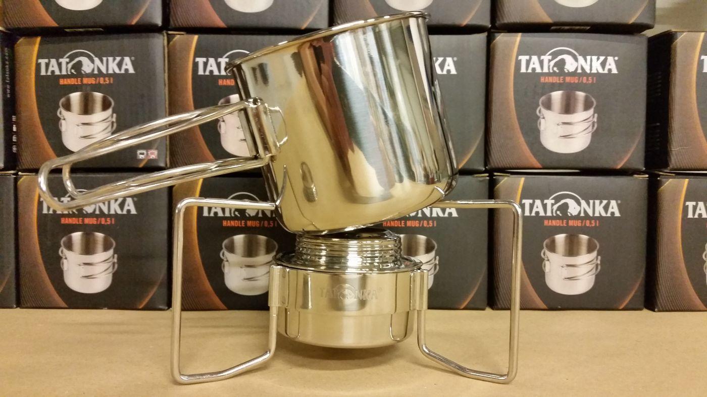 La tasse Handle Mug sur le support Tatonka = instabilité