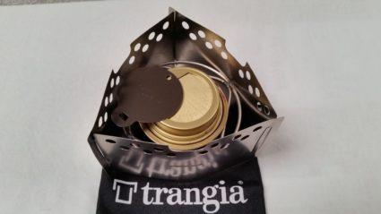 Le brûleur Trangia avec le réducteur de flamme dans le Triangle