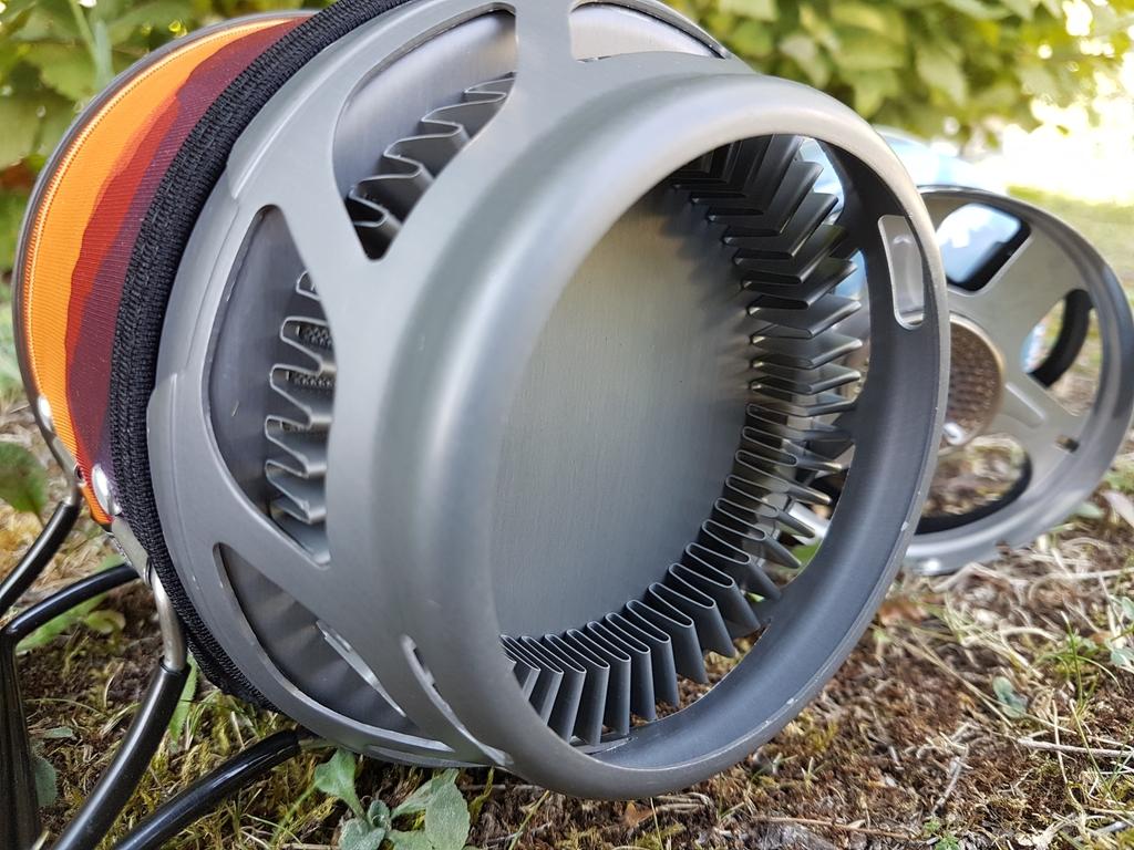 Popote optimisée avec diffuseur de chaleur (Fluxring). Se connecte sur le brûleur